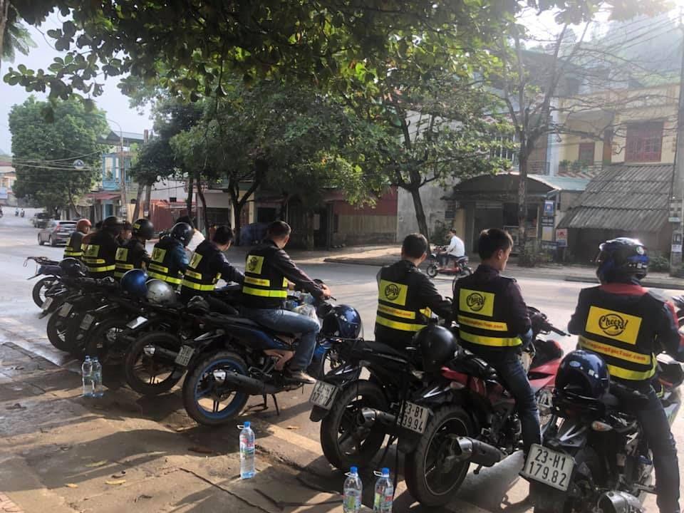 Ha giang loop easy rider motorbike driver
